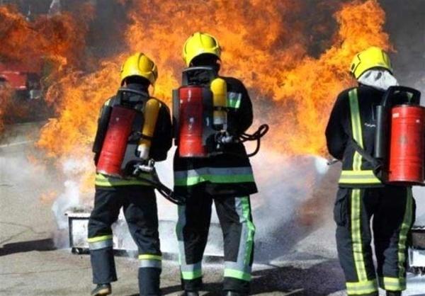 مهار آتشسوزی مغازه بلور فروشی در مشهد
