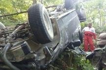 سقوط خودرو به دره در آستارا سه مصدوم بر جا گذاشت