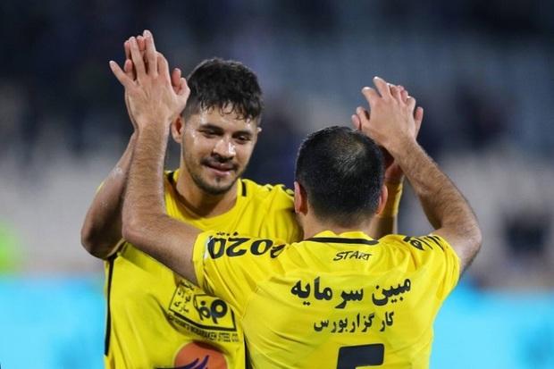برتری 2 بر صفر سپاهان برابر استقلال خوزستان در نیمه نخست