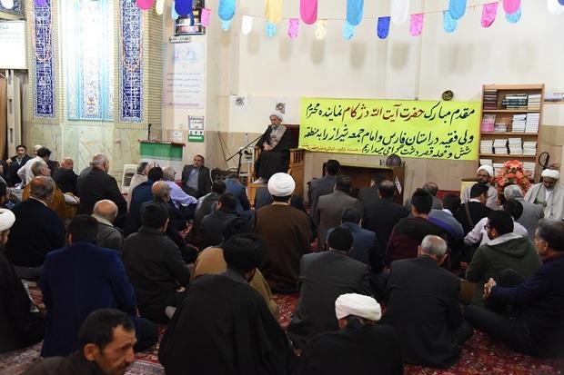 امام جمعه شیراز: گام دوم انقلاب، خودسازی است