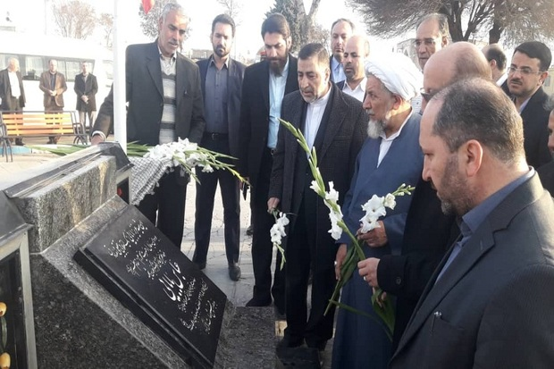 وزیر دادگستری به مقام شامخ شهدای قزوین ادای احترام کرد