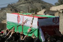 مرزبانان سیستان و بلوچستان با همرزمان شهیدشان وداع کردند