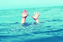 نجات یک نفر از غرق شدن در آب های ساحلی آستارا
