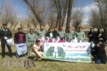 اجرای طرح بی زباله با حضور کارکنان محیط زیست لرستان