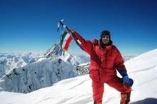 مراسم استقبال از عظیم قیچیساز کوهنورد تبریزی در مهرآباد