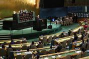 رئیسجمهور روحانی: ماندلا از دوستان نزدیک و وفادار ایران بود/ دولتمردان بزرگ بجای «دیوار»، «پل» میسازند/ ایران برای تقویت چندجانبه گرایی و توسعه صلح و همکاری بینالمللی دست همه رهبران صلح طلب و مداراجو را میفشارد
