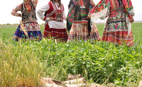 چرا زنان تمایلی به لباس سنتی ایرانی ندارند؟ / میراثی که تقریبا کارش تمام است!
