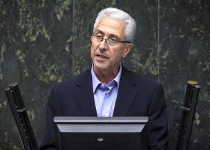 حرفهای متناقض وزیر علوم در مورد دانشجویان ستارهدار
