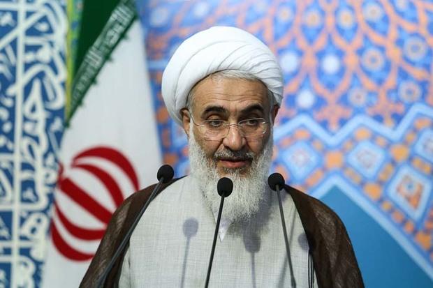 ایران به برکت انقلاب و شهدا در دنیا سربلند است