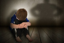 مردم کودک آزاری را به بهزیستی اطلاع دهند