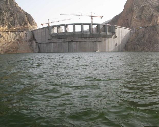 رهاسازی آب از سد سیلوه به سمت دریاچه ارومیه آغاز شد