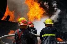 آتش سوزی یک انبار مبلمان در مشهد