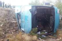واژگونی اتوبوس در محور کازرون - شیراز 25 مصدوم بر جای گذاشت
