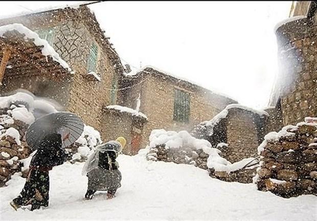 برف، ارتباط مخابراتی چهار روستای شیروان را قطع کرد