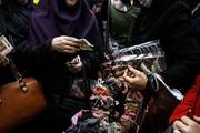 مترو؛ دستفروشی زنان در اقتصاد پنهان