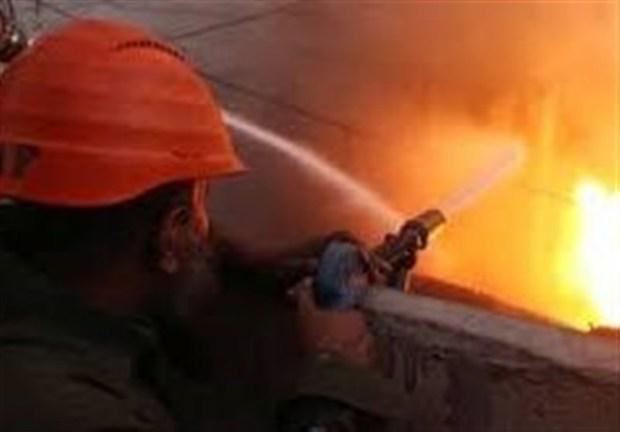 انبار لوازم خانگی در مشهد دچار آتش سوزی شد