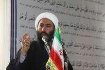 امام جمعه قصرشیرین: فرش قرمز وهابیت همیشه برای سران استکبار پهن است