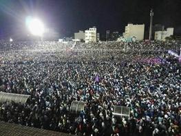 جشن پیروزی هواداران روحانی در شیراز  شادی آورد گل و باد صبا شاد آمد