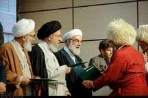 اسناد علوی به جمعی از ساکنان گلستان اهدا شد