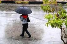 بارش باران به هوای سنندج طراوت بخشید