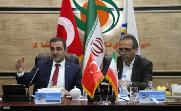 منطقه آزاد ماکو تسهیل کننده مراودات تجاری ایران و ترکیه است
