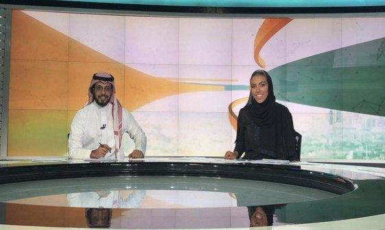 عکس/ اولین گوینده خبری زن در تلویزیون دولتی عربستان