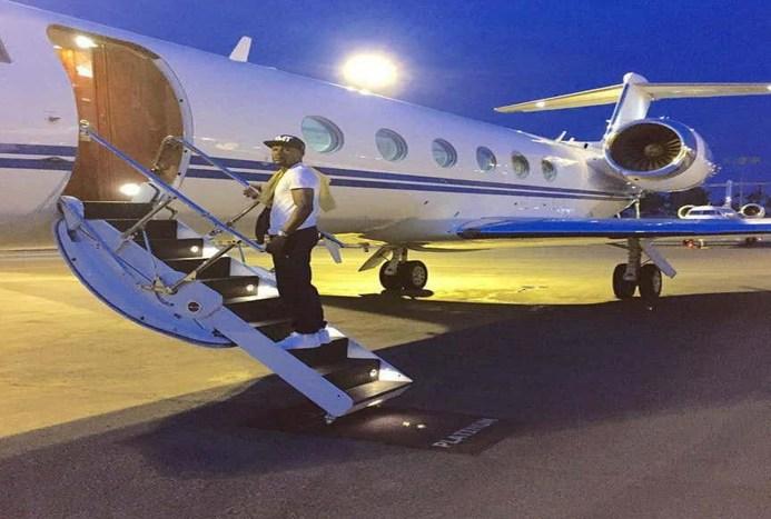 تصویری از ثروتمندترین ورزشکار جهان با جت اختصاصی اش