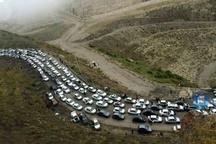درباره ریختن گازوئیل در جاده چالوس نظری ندارم   تردد در البرز 3 برابر متوسط تردد کشوری