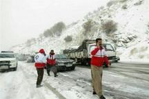 امدادگران مهابادی 50 مسافر گرفتار در برف را نجات دادند