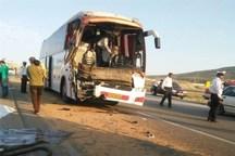 6 نفر در اثر برخورد اتوبوس و تریلی در محور تبریز- آذرشهر مصدوم شدند