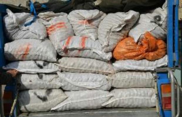 کشف بیش از 4 تن گردوی خارجی در شهرستان اسکو