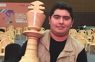 طلای شطرنج قهرمانی جهان بر گردن استاد بزرگ جوان ایران