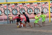 مسابقات فوتبال ساحلی قهرمانی رده سنی امید استان یزد آغاز شد