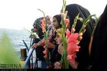 شهادتگاه 290 مسافر ایرباس در آبهای خلیج فارس گلباران شد