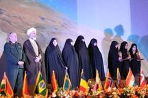 زینب محمدنژاد مقام نخست بخش حفظ کل مسابقات بین المللی قرآن کریم تهران را کسب کرد