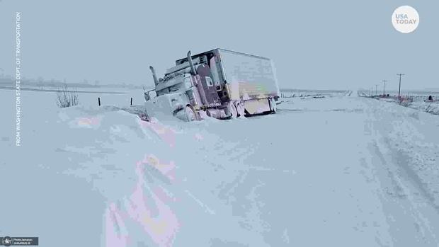 برف و کولاک زندگی در آمریکا را مختل کرد+ تصاویر