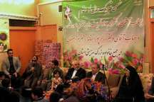 وزیر امور خارجه سال 96 را در کنار کودکان بی سرپرست اصفهان آغاز کرد