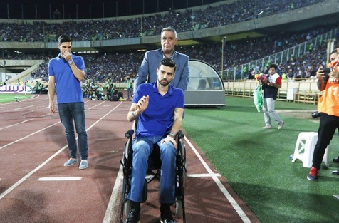 از آسیب دیدن یک مامور تا ترک زود هنگام استادیوم از سوی طرفداران تراکتورسازی