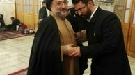 عکس/ وزیر ارتباطات در لباس خادمی به همراه محمدعلی ابطحی