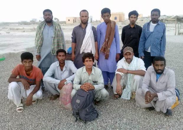 10صیاد ایرانی نجات یافته در آبهای پاکستان به ایران بازگشتند