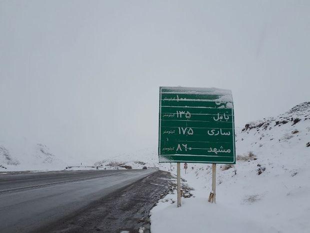 برف و باران جاده های استان تهران را فرا گرفت