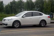 یک خودروی سواری به دلیل حرکات مارپیچ در قزوین توقیف شد