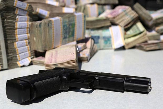 سارقان مسلح به بانک صادرات ساوه دستبرد زدند