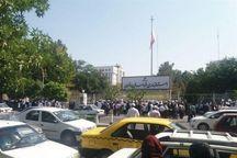 تعدادی پرستار برای پیگیری مطالبات صنفی به استانداری خراسان مراجعه کردند