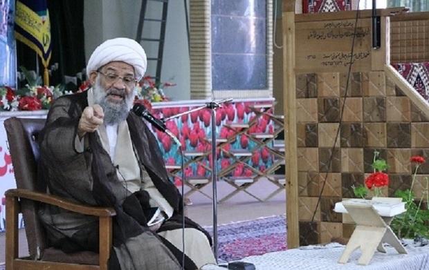 دشمن به دنبال ضربه زدن به نظام اسلامی است