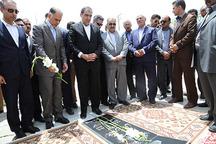 وزیر بهداشت به مقام شامخ شهدا در زاهدان ادای احترام کرد