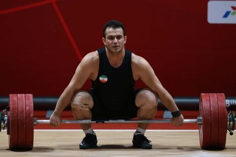 گفت و گوی تلفنی وزیر ورزش با قهرمان جهان و المپیک بعد از مصدومیت