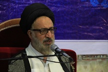 امام جمعه موقت شیراز:استکبار نقطه مقابل عبودیت است