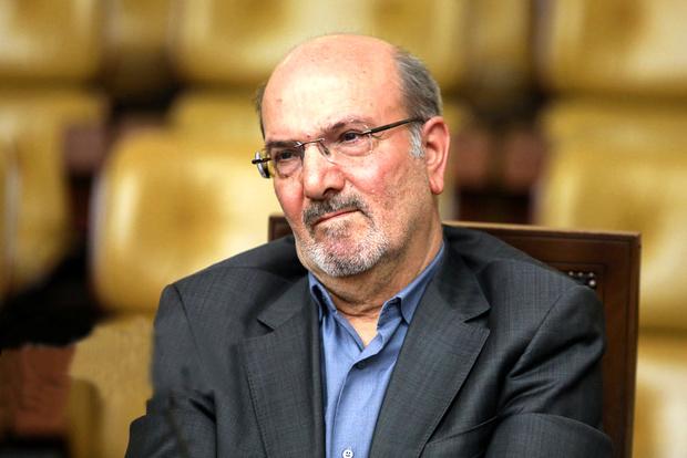 بدعت مجمع تشخیص و ایراد آن به لوایح مصوب مجلس بر خلاف قانون اساسی است/ مجلس باید از این حق خود دفاع کند