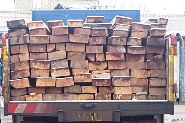 150 اصله چوب آلات قاچاق جنگلی در اردبیل کشف شد